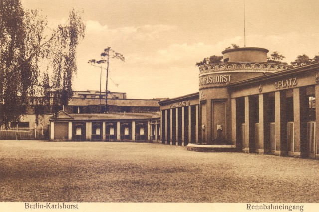 Rennbahneingang_1930.jpg
