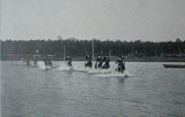 Ritt_durch_den_See_1906.jpg